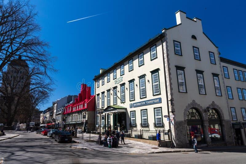 Quebec City Kanada - Maj 2, 2019 - typisk gataplats i Vieuxen Quebec royaltyfri bild