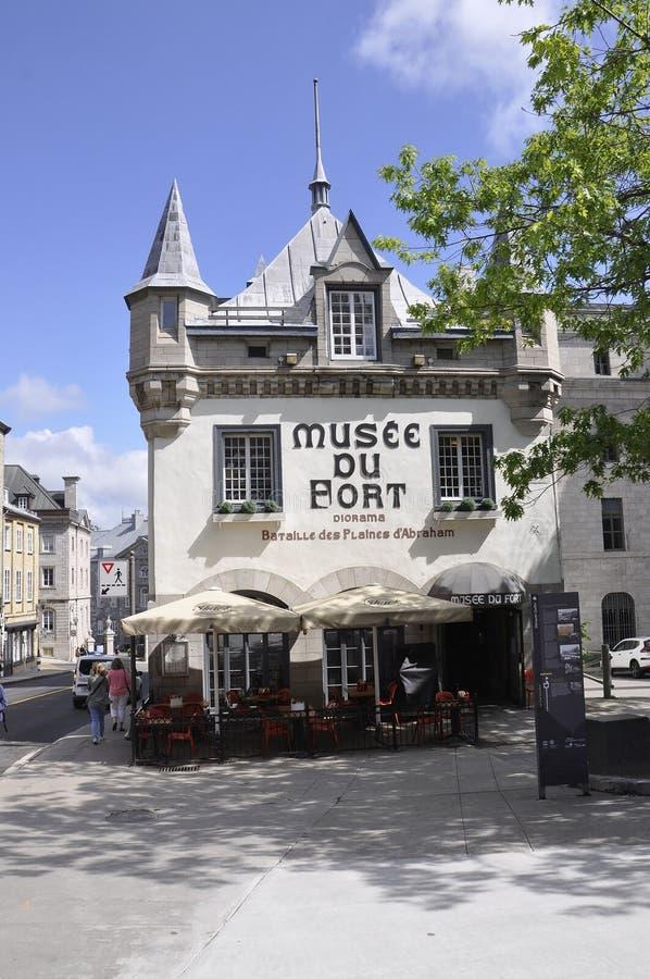 Quebec, el 28 de junio: Musee du Fort Building de la ciudad de Quebec vieja en Canadá imagenes de archivo
