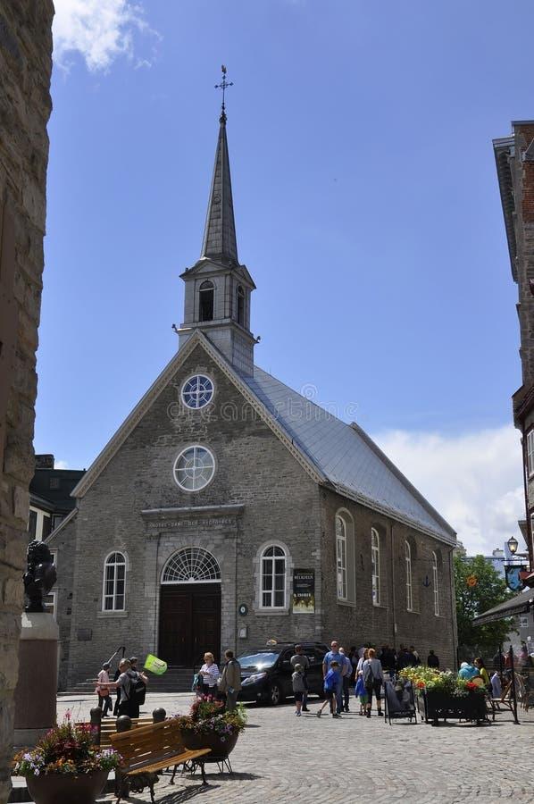 Quebec 28th Juni: Kyrklig Notre Dame des Victoires från stället Royale av gamla Quebec City i Kanada arkivbild