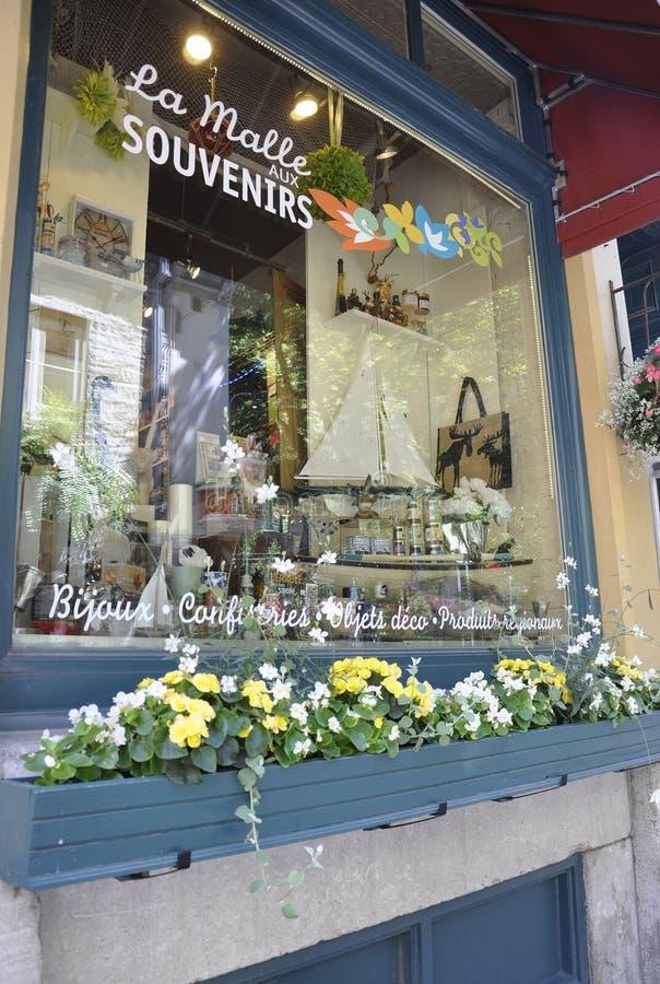 Quebec 28th Juni: Rue du Champlain Fönster lagergarnering från gamla Quebec City i Kanada arkivbild