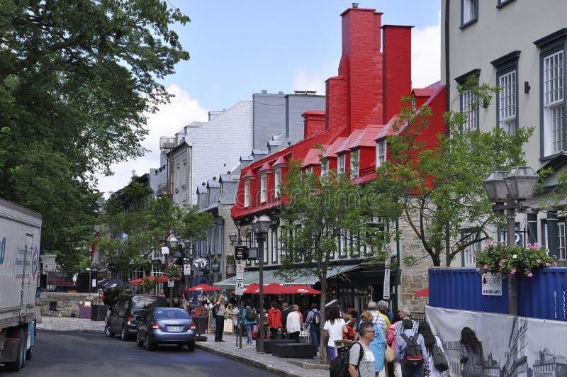 Quebec 28th Juni: Rue Sainte Anne historiska byggnader och boutique från gamla Quebec City i Kanada royaltyfri foto