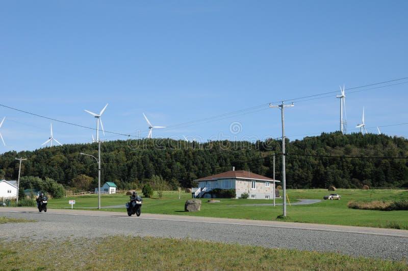 Quebec, wiatrowy generator w nakrętki gadce w Gaspesie zdjęcie royalty free