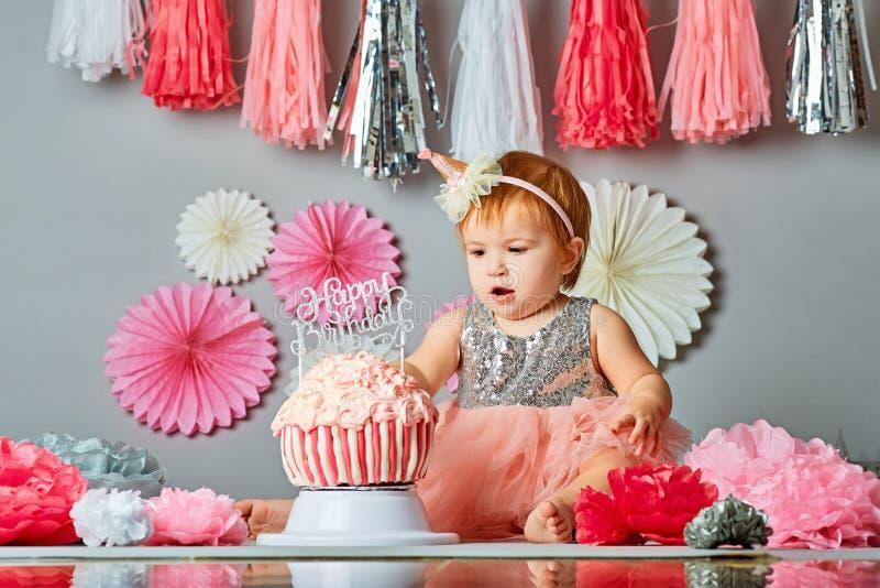 Quebra do bolo - imagem conservada em estoque fotos de stock royalty free