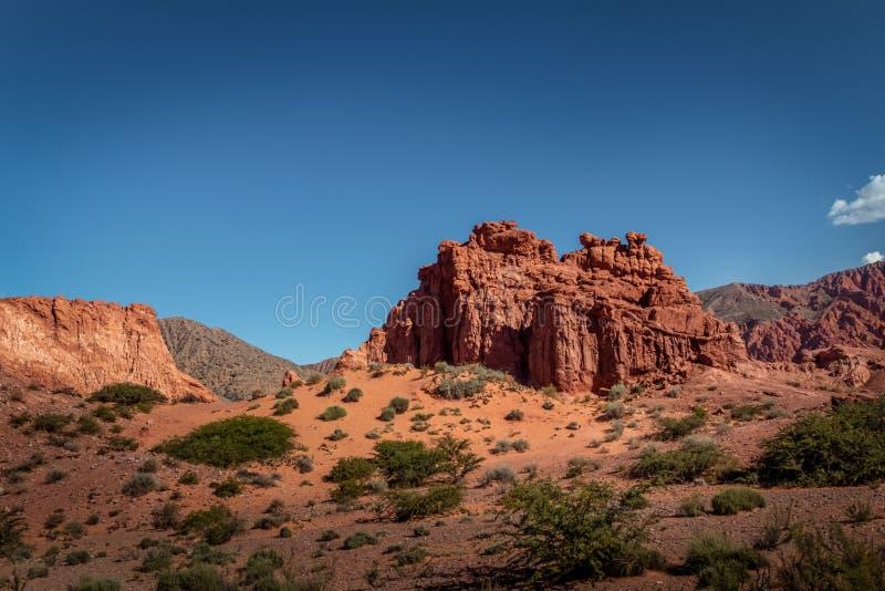Quebrada DE las Senoritas desertic vallei in Uquia-Dorp in Quebrada DE Humahuaca - Uquia, Jujuy, Argentinië royalty-vrije stock fotografie