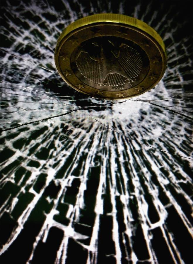 Quebrando o poder do euro foto de stock royalty free