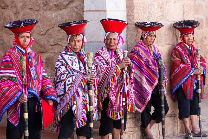 Quechua fläder i den sakrala dalen royaltyfria foton