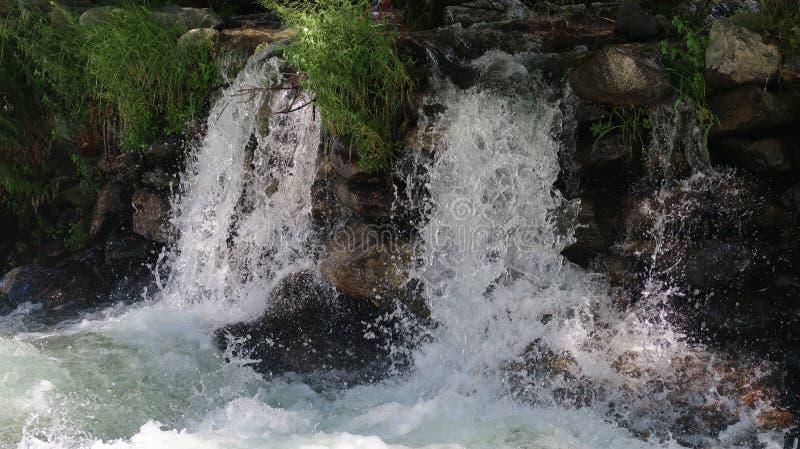 Queda da água da geleira imagens de stock royalty free
