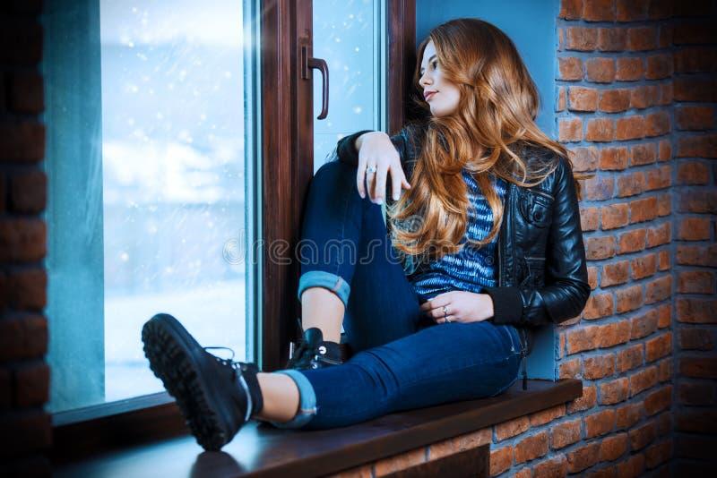 Queda de neve do inverno fotografia de stock royalty free
