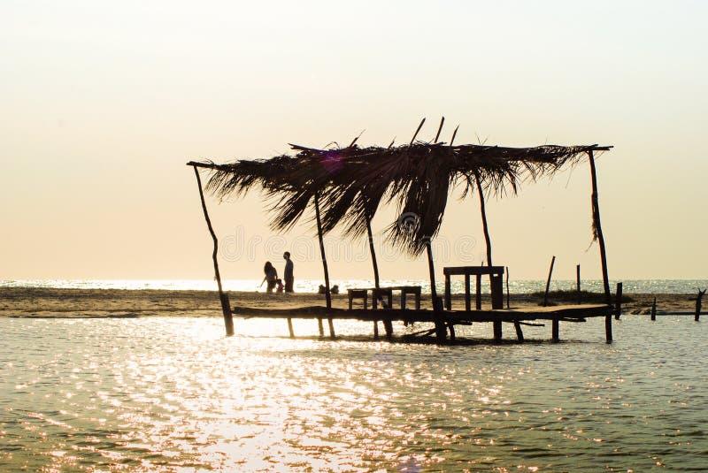 Queda do sol da paisagem em praias em Campeche México Ciudad del Carmen, em Campeche México foto de stock