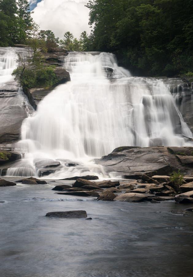 Quedas altas no estado Forest North Carolina de Du Pont imagens de stock royalty free