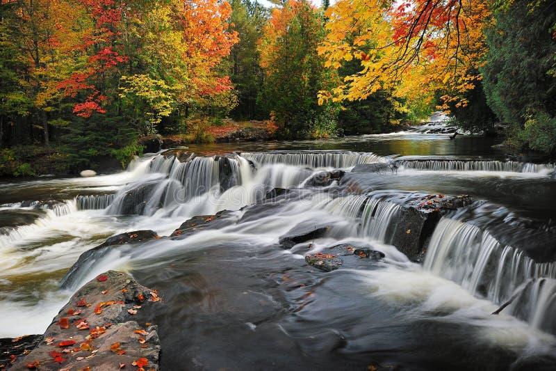 Quedas da ligação, Paulding Michigan EUA fotografia de stock royalty free