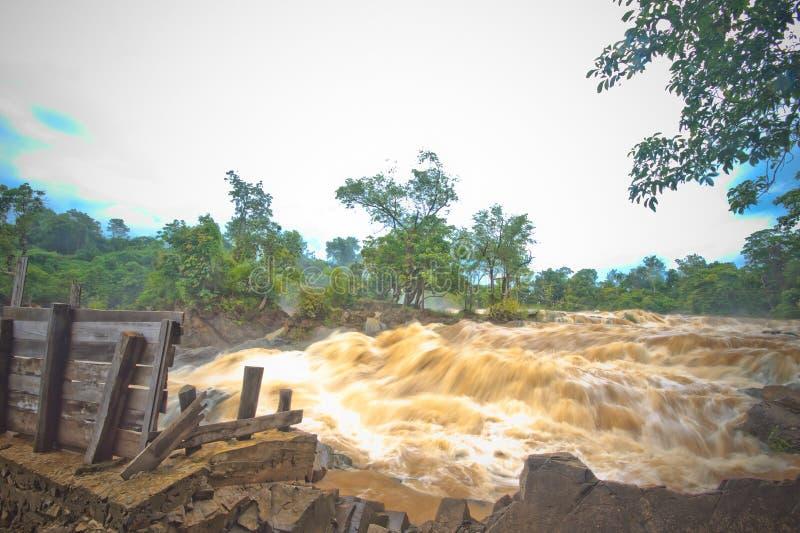Quedas do phapheng de Khone fotos de stock