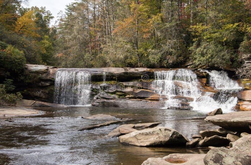 Quedas largas francesas na floresta nacional de Nantahala em North Carolina ocidental foto de stock royalty free
