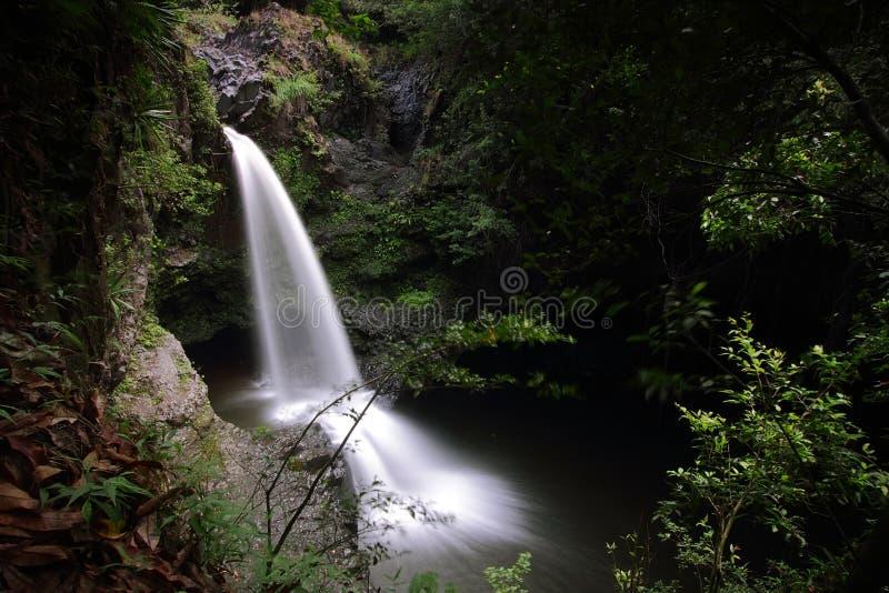 Quedas pequenas na fuga das quedas de Waimoku fotos de stock royalty free
