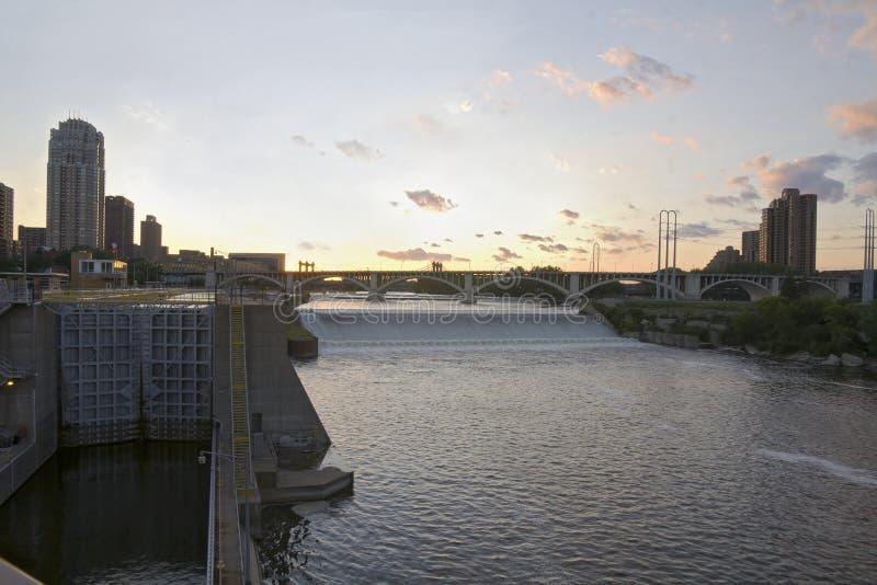 Quedas superiores e ponte de Anthony de Saint foto de stock royalty free
