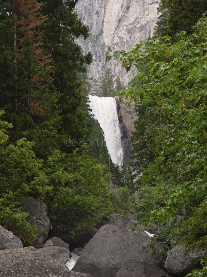 Quedas Vernal em Yosemite fotografia de stock royalty free