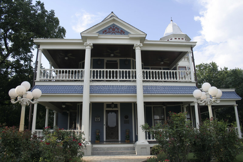 Download Queen Anne Style Home stock photo. Image of historic, granbury - 924902