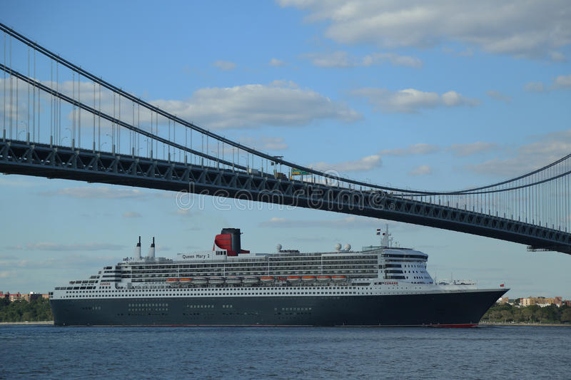 Download Queen Mary 2 Cruise Ship In New York Harbor Under Verrazano Bridge Heading For Transatlantic Crossing From New York To Southampton Editorial Stock Photo - Image: 33001248