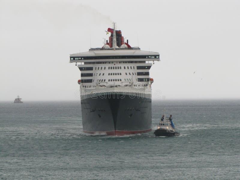 Queen Mary 2, hav, himmel, skyttel, marin- liv, sjöman, hav royaltyfria bilder