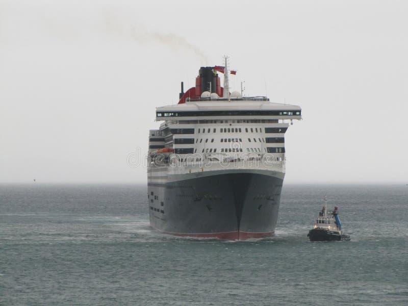 Queen Mary 2, hav, himmel, skyttel, marin- liv, sjöman, hav royaltyfri bild