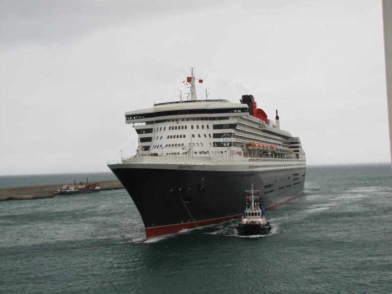 Queen Mary 2, hav, himmel, skyttel, marin- liv, sjöman, hav royaltyfri fotografi