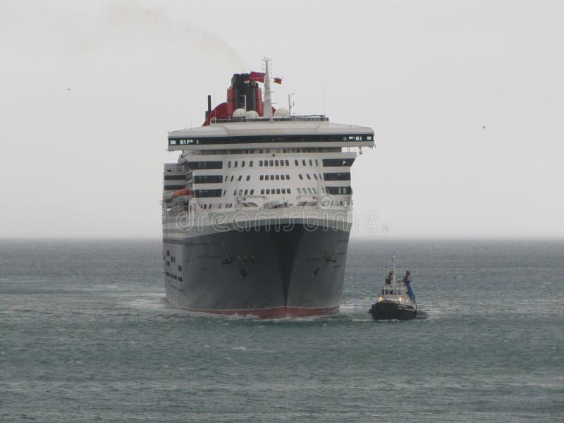 Queen Mary 2, hav, himmel, skyttel, marin- liv, sjöman, hav royaltyfri foto