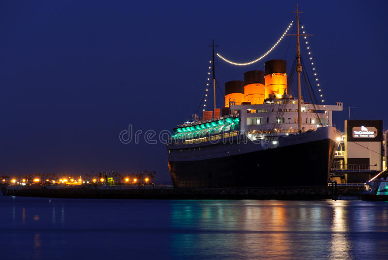 Download Queen Mary Ocean Liner editorial image. Image of nighttime - 18313985
