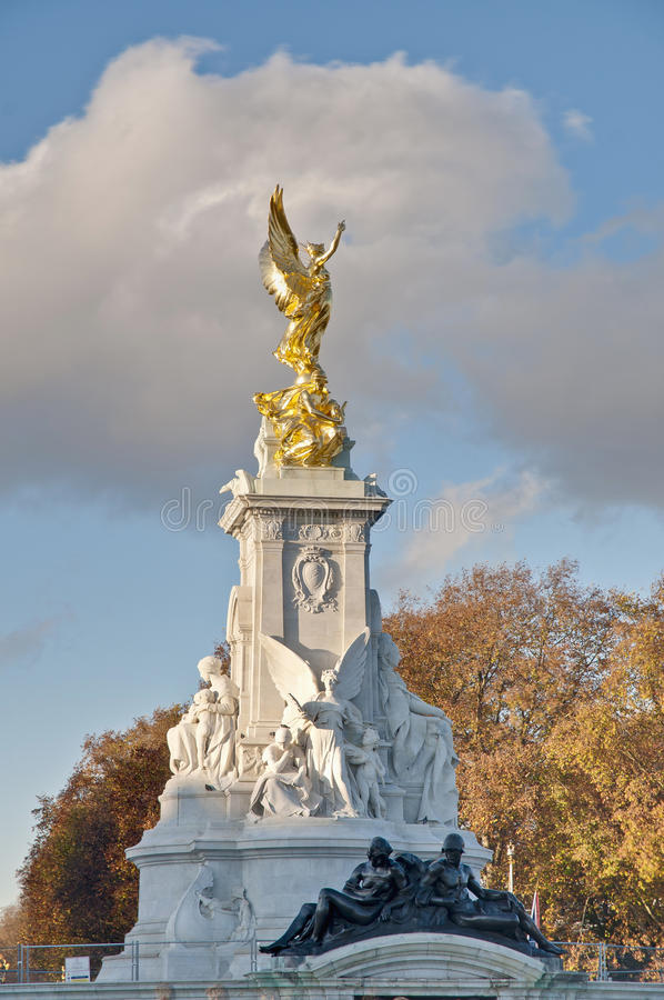 Download Queen Victoria Memorial At London, England Stock Images - Image: 22505844