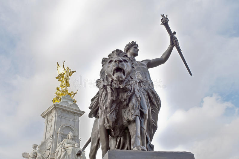 Download Queen Victoria Memorial At London, England Stock Images - Image: 22505904