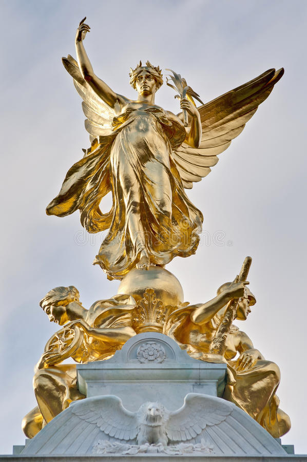 Download Queen Victoria Memorial At London, England Stock Image - Image of interest, daylight: 22704915