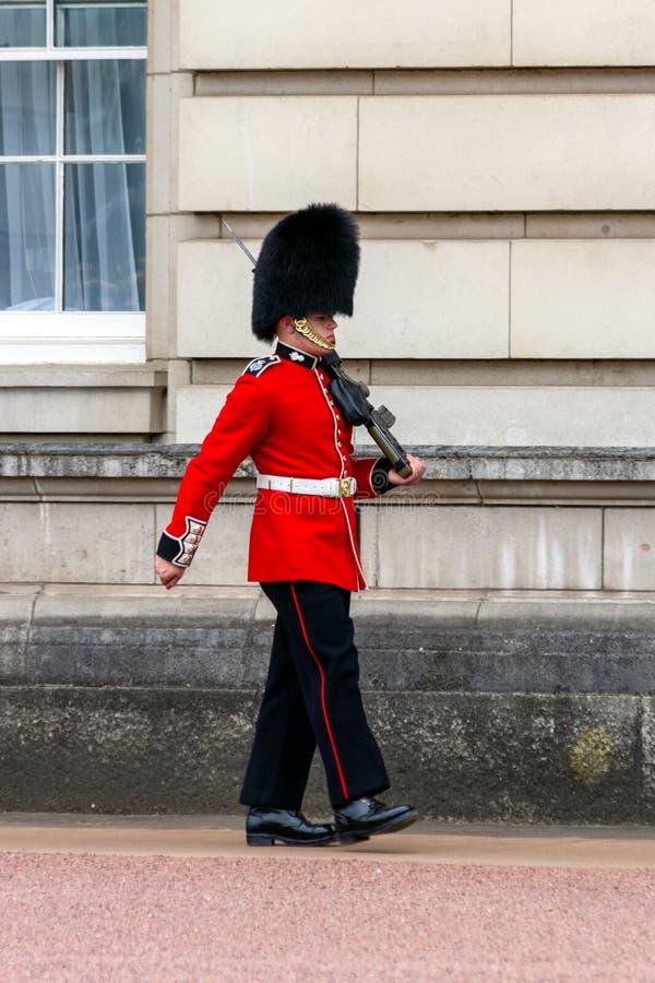 Queens Chroni buckingham palace Londyn fotografia stock