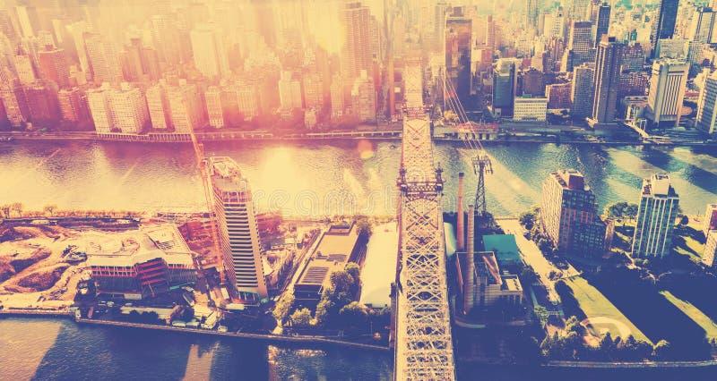 Queensborobrug over de Rivier van het Oosten in de Stad van New York royalty-vrije stock afbeelding
