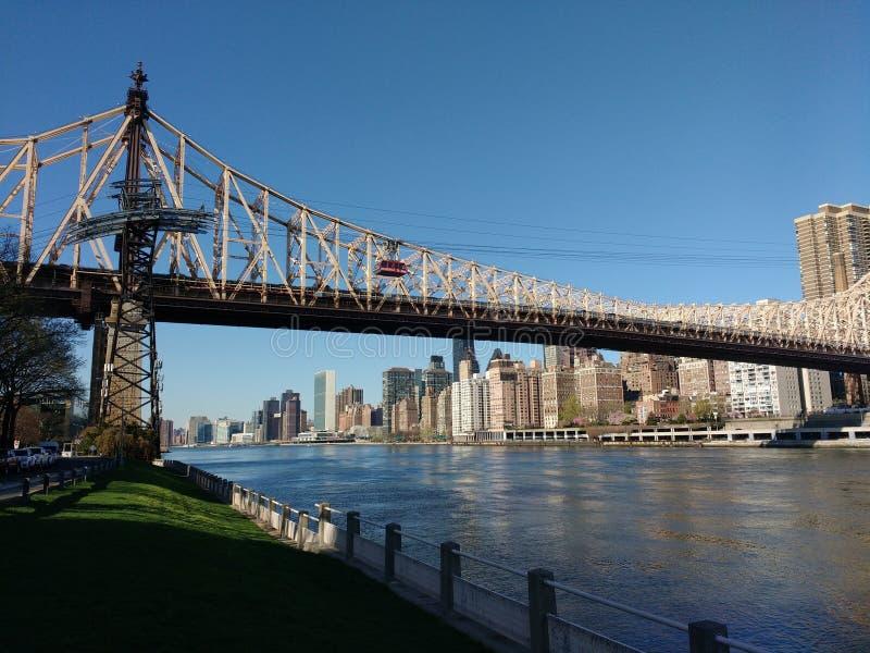 Queensborobrug, Roosevelt Island Tramway, NYC, NY, de V.S. royalty-vrije stock afbeelding