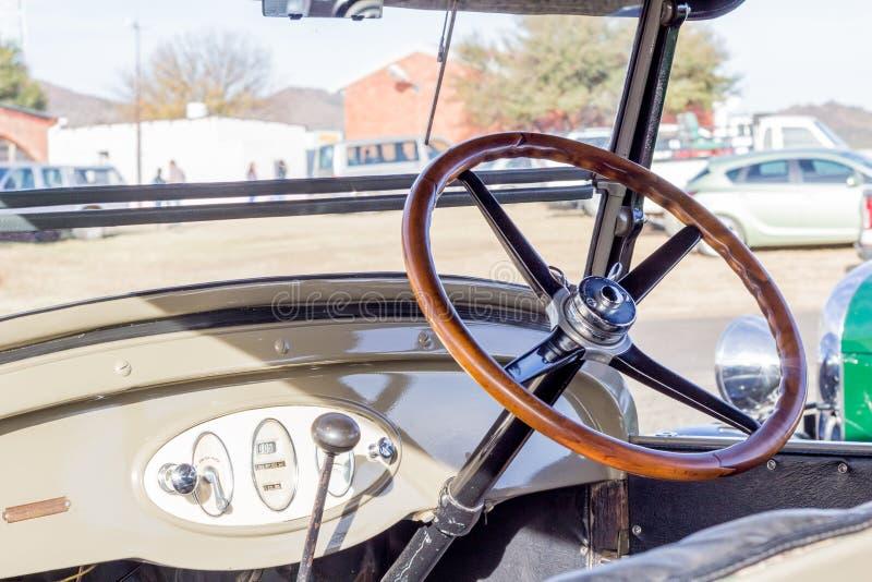 Queenstown, África do Sul, o 17 de junho de 2017: Vehicl de Chevrolet do vintage foto de stock royalty free