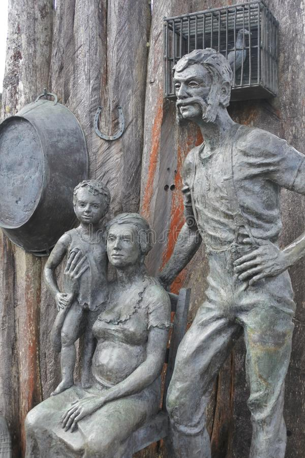 Queenstown-Monument-Bergm?nner Tasmanien Australien lizenzfreies stockfoto