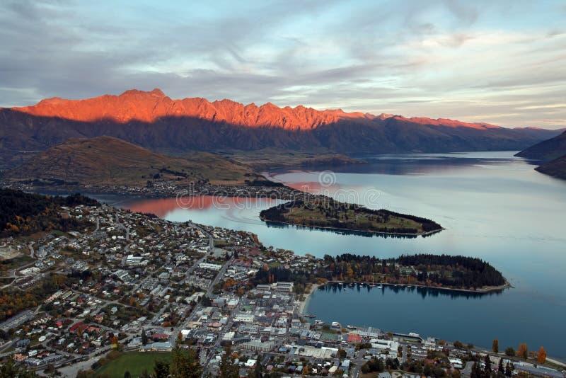 Queenstown-Sonnenuntergang Neuseeland stockfoto