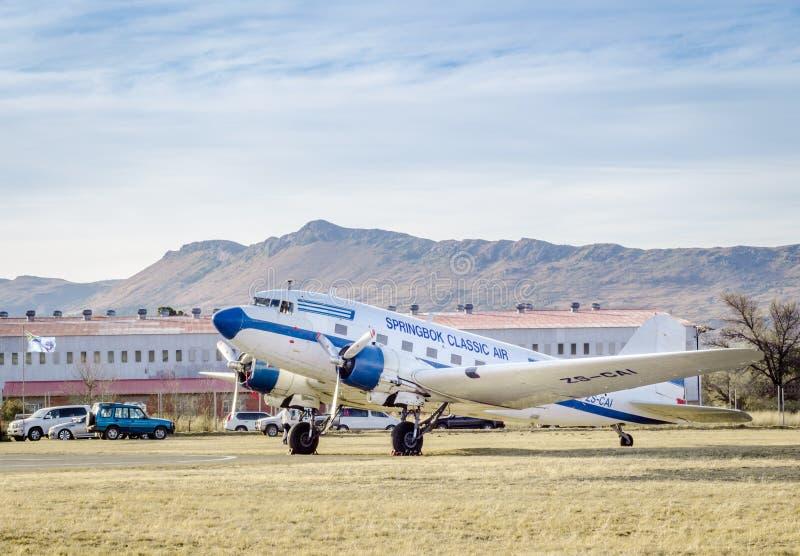 QUEENSTOWN SYDAFRIKA - 17 Juni 2017: TappningDouglas DC 3 Da royaltyfria bilder