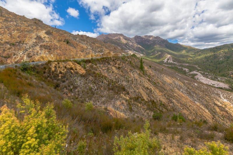 Queenstown Tasmanien: mån- landskap royaltyfri fotografi