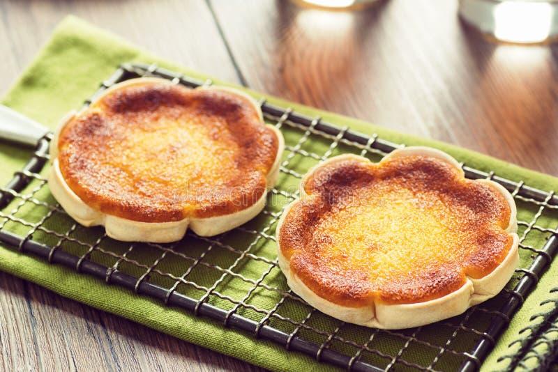 Queijadinhas或者葡萄牙乳酪蛋糕 免版税库存照片