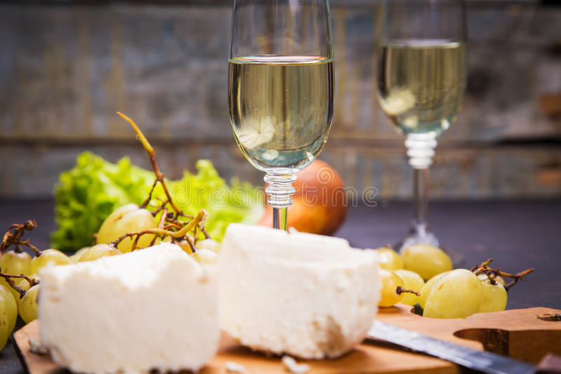 Queijo com uva e vinho fotografia de stock