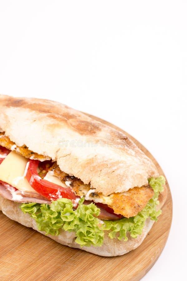 Queijo macro do tomate da carne do sanduíche do pão do close up imagem de stock royalty free