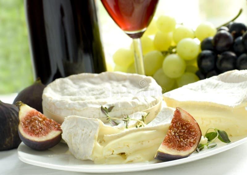 Queijo, uva, figos e vinho imagem de stock royalty free