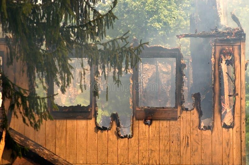 Download Queimar-se permanece foto de stock. Imagem de incêndio - 125264