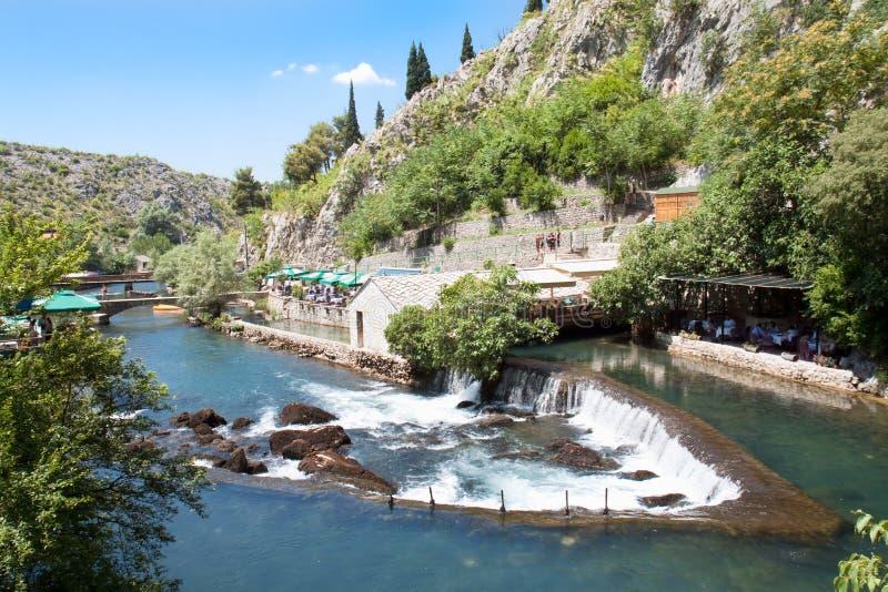 Quelle des Bunaflusses nahe Mostar lizenzfreies stockbild