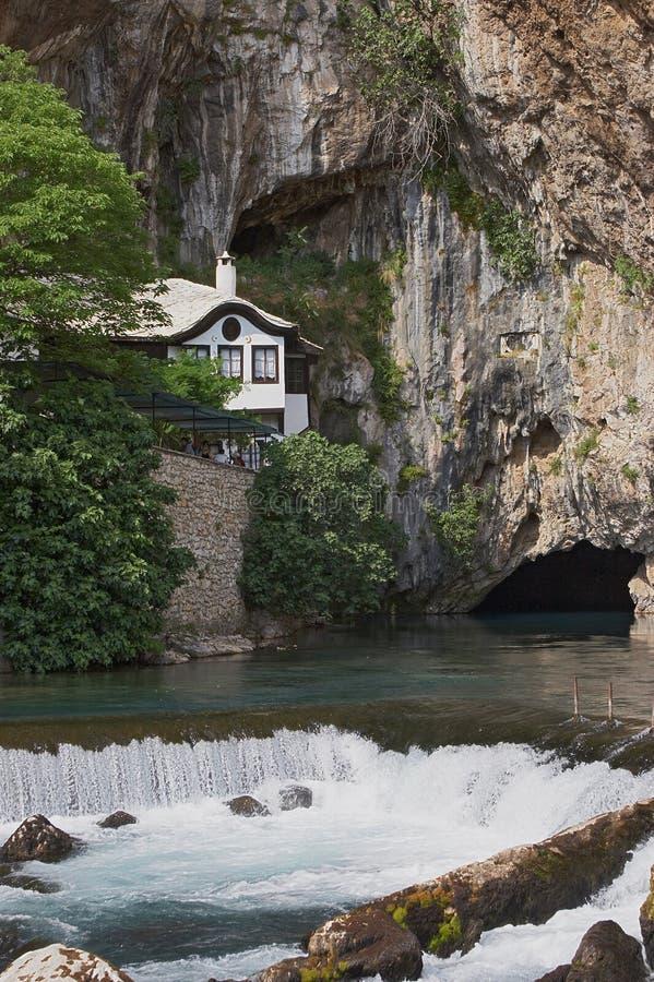 Quelle des Fluss Bunas lizenzfreie stockfotografie