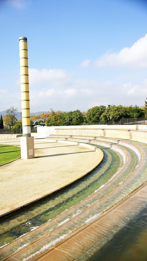 Quelle im olympischen Ring auf Montjuic-Berg, Barcelona stockbild