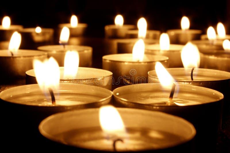 Quelques bougies de lumière de thé photo stock