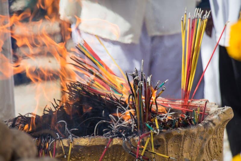 Download Quema Del Incienso Para Adorar Imagen de archivo - Imagen de negro, burning: 42441045