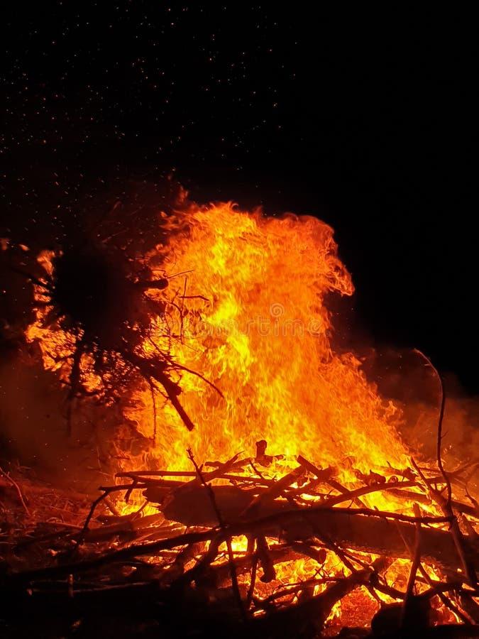 quemadura en la noche foto de archivo libre de regalías