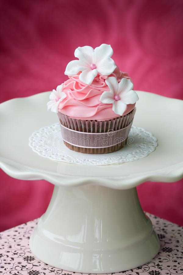 Queque cor-de-rosa imagens de stock